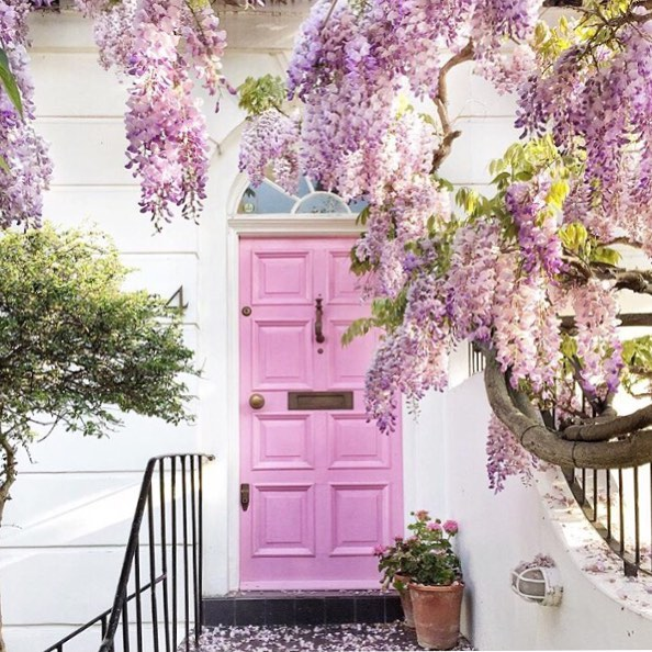 Always have a soft spot for a pink door I do